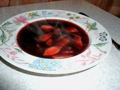 Holunderbeersuppe mit Apfelstückchen