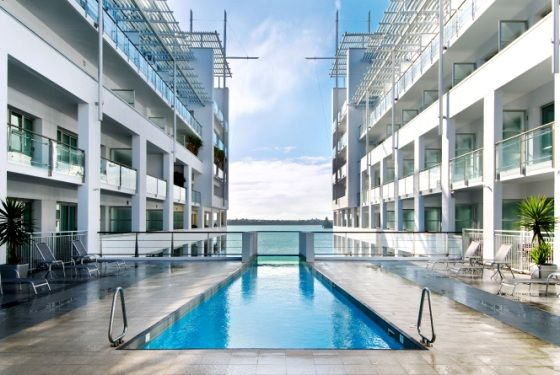 The Hilton Auckland - Located 300 metres out to sea on the end of Princes Wharf, Hilton Auckland is a contemporary boutique hotel featuring 165 designer furnished rooms.