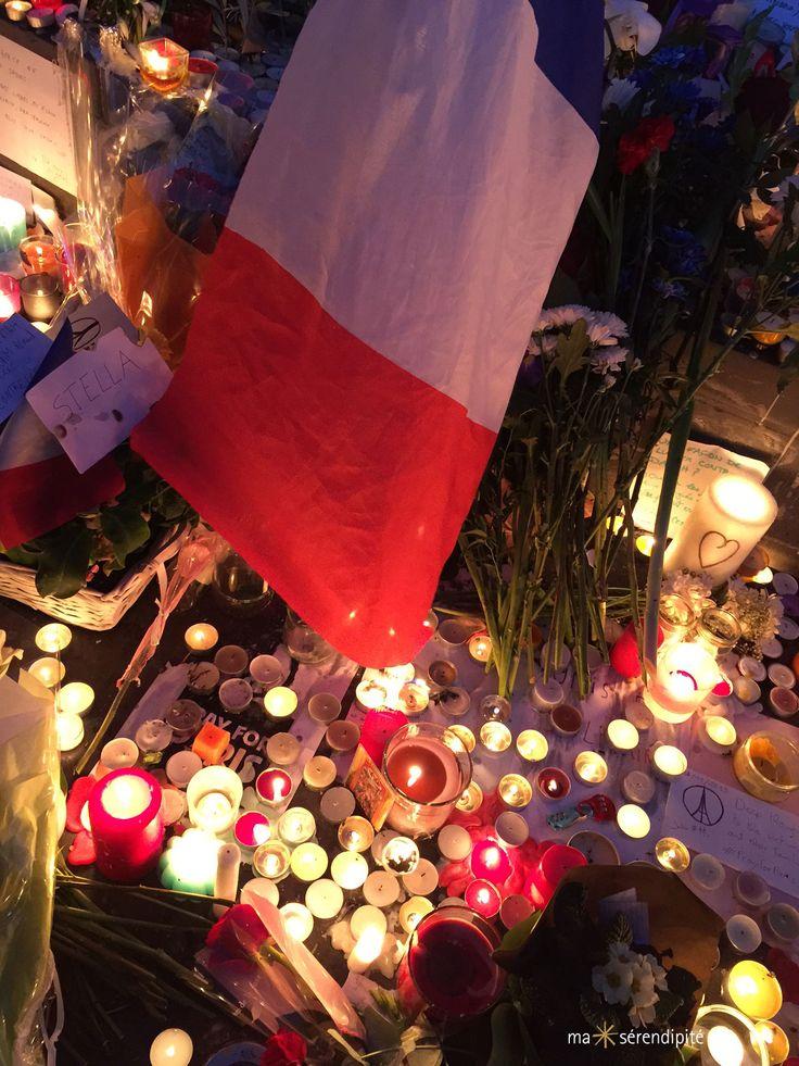 Attentats de Paris du 13 novembre 2015  |  Hommage solidaire Place de la République, Paris, France • Photo © Ma Sérendipité