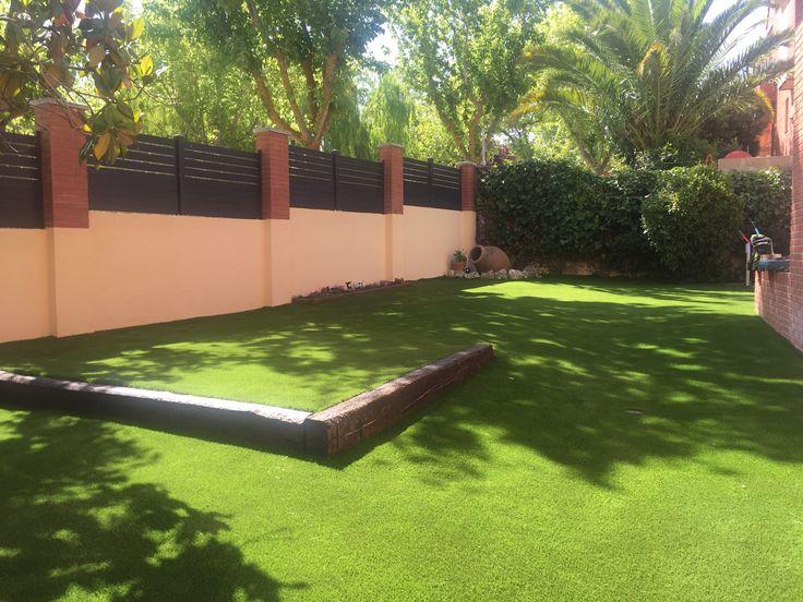 jardines con el cesped artificial eco living lavanda son un magnifico espacio donde nuestros clientes