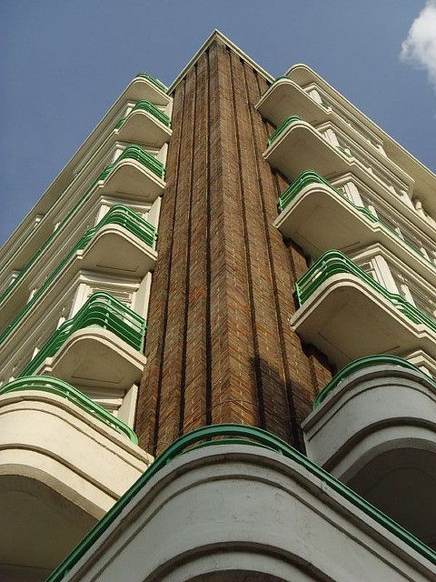 Dorset House 1935: London Art Deco Architects Bennett, T.P. & Joseph Emberton. Exterior Finish Materials: brick, plaster, steel. Construction Type: RC frame, masonry walls.