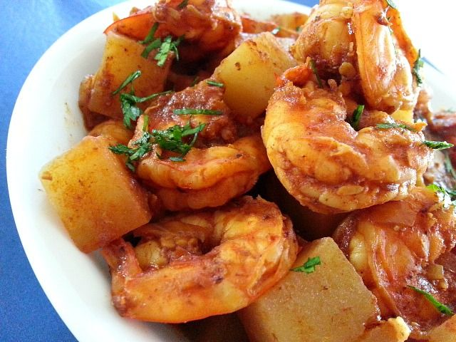 This Goan recipe is not seen in many households like most of the popular Goan recipes. But what I do remember most about this Prawn/Shrimps and Potatoes Curry is that at my home it was made mostly …