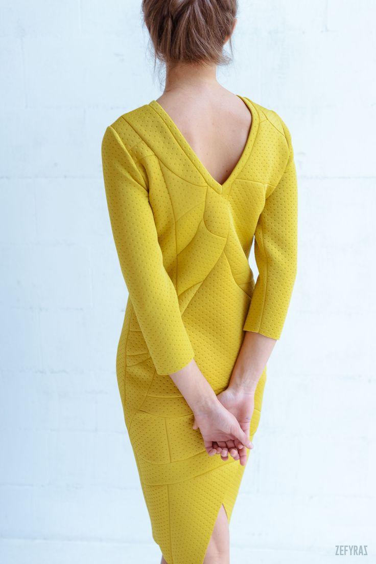 One. World #fashion #zefyras #zefyrasfashion #minimalist #sweater #colours #collection #details #colorful
