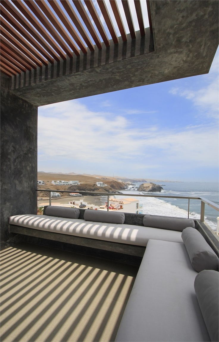 CASA CC, Playa Misterio, Peru...Longhi Architects
