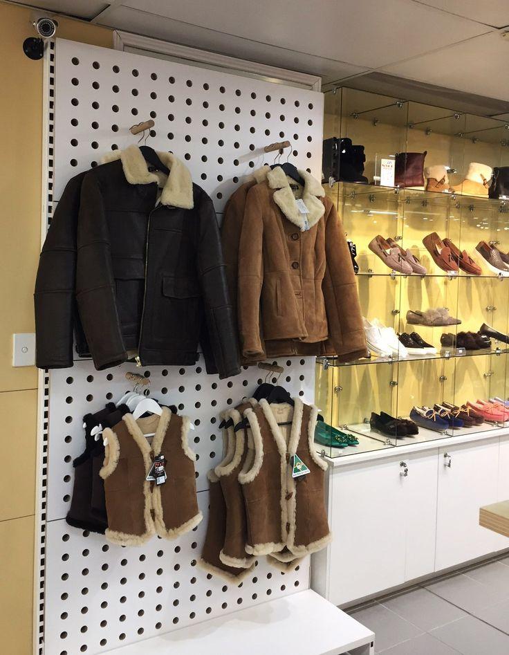#sfsi #install #Uggattherocks #manchesterandbedding #custom #MAXe #freestanding #white #ply #Peggie #cabinetry #cupboards #glasscubeunit #pegs #dowels