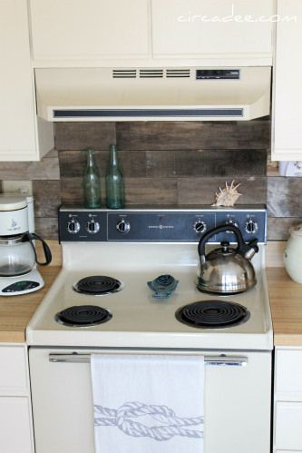 Pallet wood backsplash 25 + Great Kitchen Backsplashes at Remodelaholic #kitchen #backspash_ideas