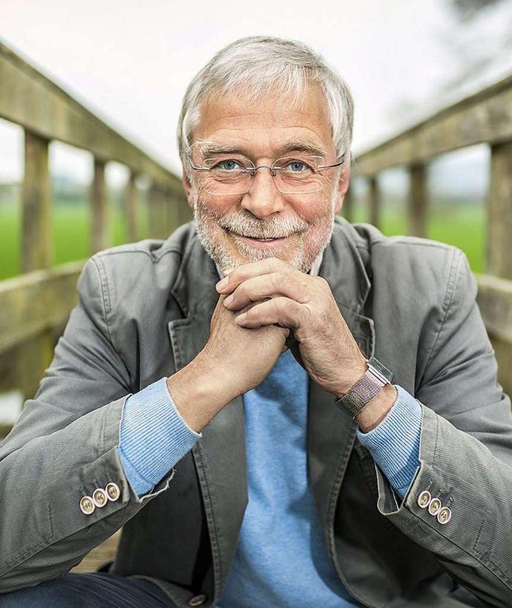 Hirnforscher Prof. Gerald Hüther erklärt | So machen wir uns selber gesund Der Körper verfügt über ein ganz eigenes Selbstheilungsprogramm. Wie man es am besten nutzt, erklärt Hirnforscher Gerald Hüther