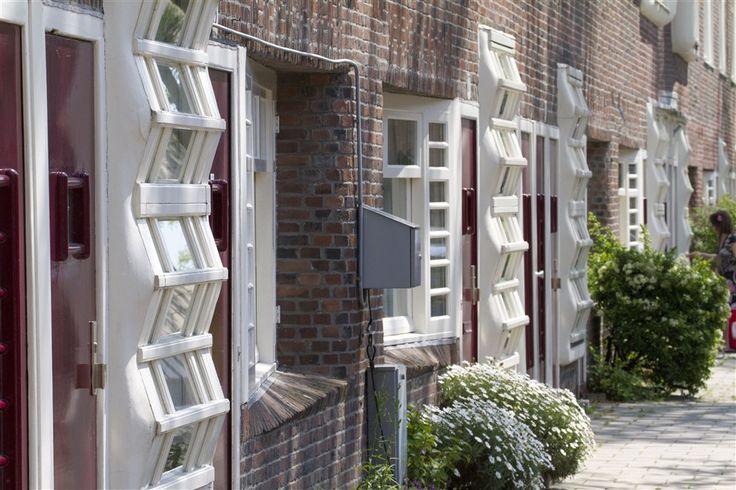 M. Staal-Kropholler, Holendrechtstraat, Amsterdam 1921-1923