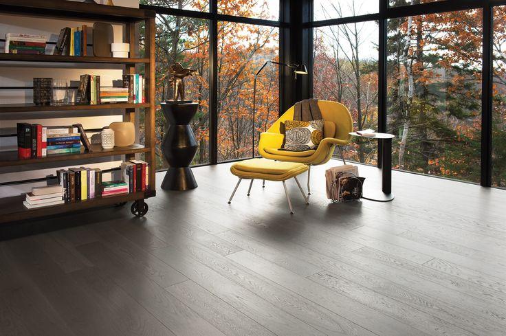 Collection Flair | Plancher de chêne blanc à caractère léger et de couleur Dark Leaf