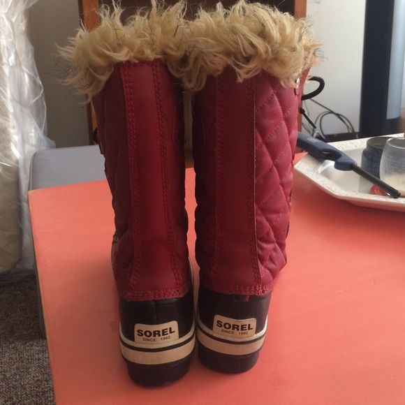 Sorel women's winter boots size 6 used once Red winter boots with black sole, used once. Very good condition. Size 6 SOREL Shoes Winter & Rain Boots