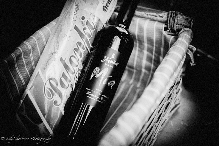 food, book cover, romantic, black and white, calm, lilychristina, lilychristina photography, valokuvaaja porvoo, valokuvaus porvoo, valokuvablogi