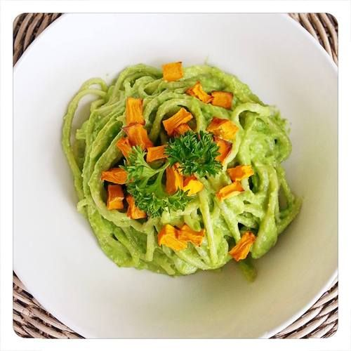 A #vegan, #glutenfree creamy spinach Alfredo #recipe for Thermomix