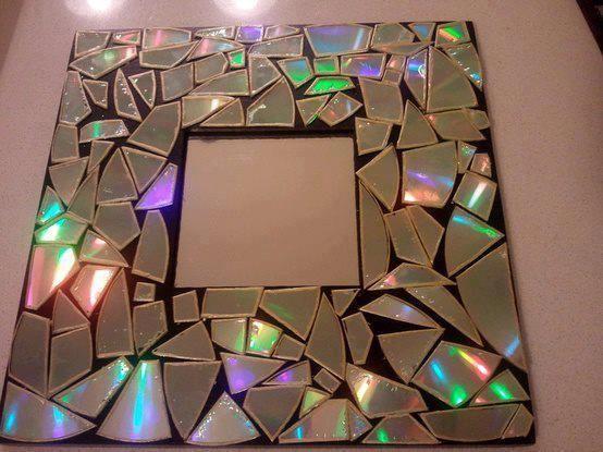 Espejo decorado con trozos de cd espejos pinterest diys for Espejo 20 aumentos