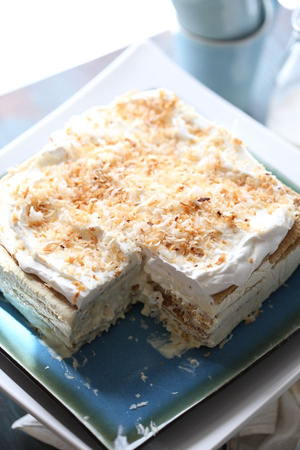 This vanilla coconut ice box cake is light and absolutley dreamy! A no bake treat that tastes purely decadent! lemonsforlulu.com #IDelight @InDelight ~ http://www.lemonsforlulu.com