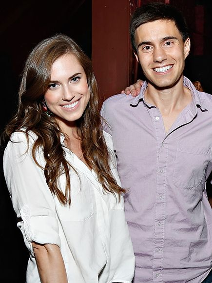 Allison Williams and Ricky Van Veen Are Married – See Her Stunning Wedding Photo http://www.people.com/article/allison-williams-marries-ricky-van-veen