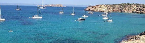 """""""Dwu miesięczny wyjazd do stolicy Hiszpanii okazał sie strzałem w dziesiątkę!"""" - pisze Małgosia w opowiadaniu o swoim pobycie jako summer au pair w Hiszpanii. Gosia zwiedziła nie tylko Madryt, lecz spędziła także wspaniałe  #wakacje z rodziną goszczącą na Ibizie :)"""
