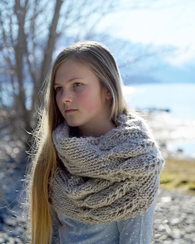 Super chunky knits are so snugly and warm... Working a few new patterns this…