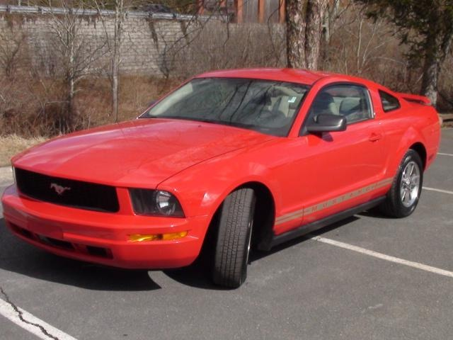 2006 Ford Mustang V6 DELUXE Red //.iseecars.com. Used Ford MustangUsed CarsMustangsDream Cars & 25+ best Used ford mustang ideas on Pinterest | Used mustang Ford ... markmcfarlin.com