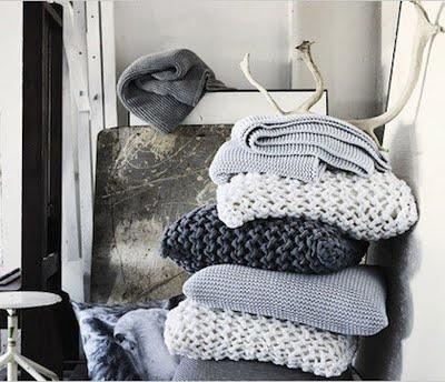 dutch design grey blue knitting