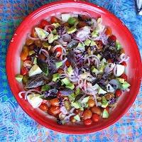 Ensalada rápida de tomate y albahaca de Juliana Lopez May