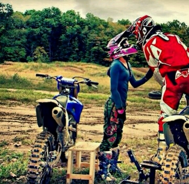 Dirt bike love. Would love to do a photo shoot wit Taylor and our bikes
