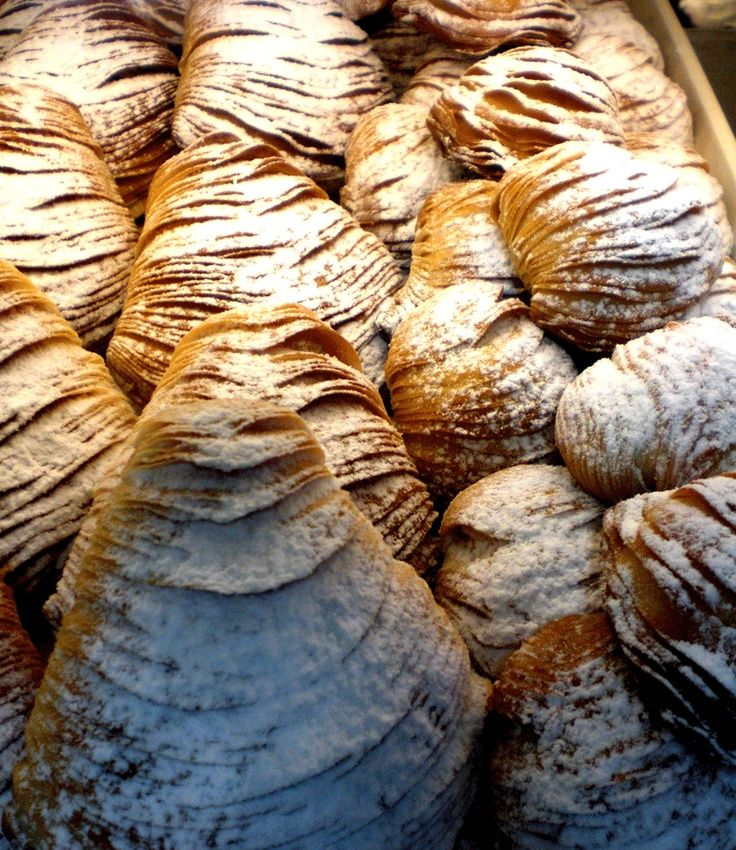 Sfogliatelle (Italian Pastry Dessert)