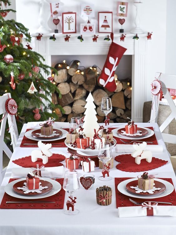 a modern red and white table setting red and wwhite ornaments and stockings xmas pinterest christmas christmas table decorations and christmas