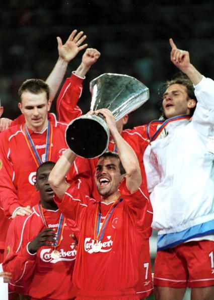 Markus Babbel lifts the trophy as Liverpool win the UEFA Cup Final between Liverpool and Deportivo Alaves at the Westfallenstadion Dortmund Germany...