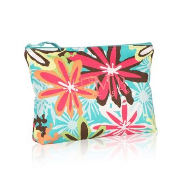 Zipper Pouch by Thirty-one NWT. Daisy Craze. No embroidery. Thirty-one Accessories