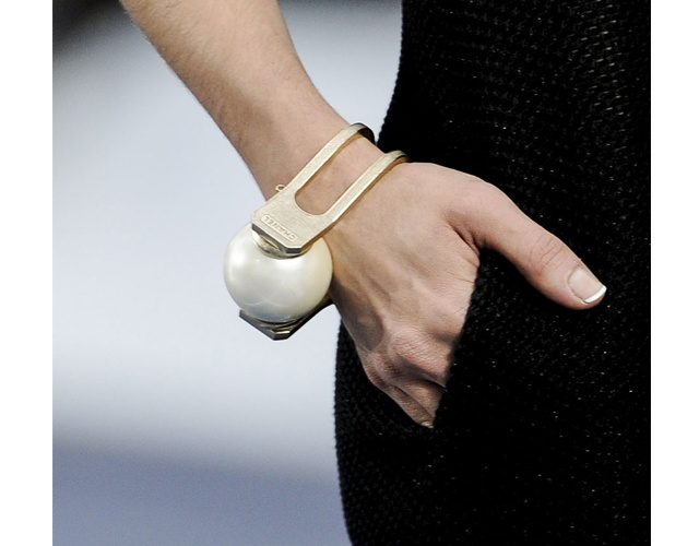 BREAKING: Chanel Brings Back the French Manicure