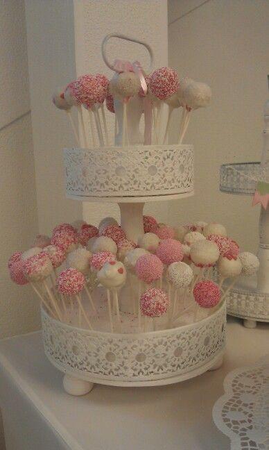 Cake Pops im Etagere