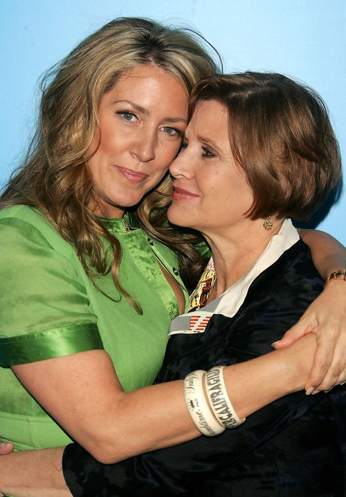 Joely Fisher and Carrie Fisher