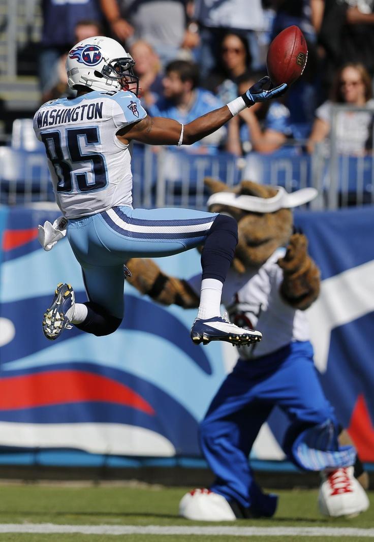 Nate Washington celebrating a 71-yard touchdown