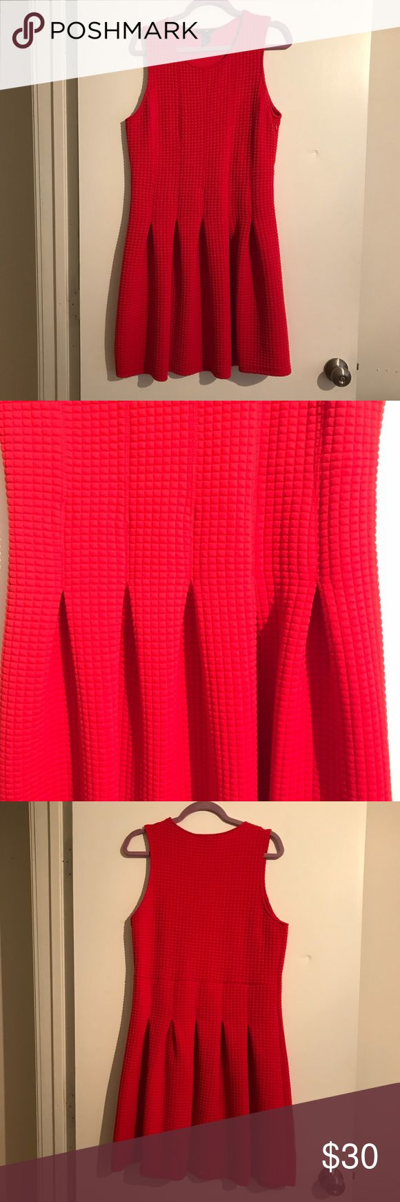 H&M Cherry Red Drop-waist Dress EEUC H&M cherry red drop-waist dress with pleating detail on skirt. Small quilted fabric with stretch, hidden side zipper, crewneck, sleeveless. Super flattering and comfortable. Size L H&M Dresses
