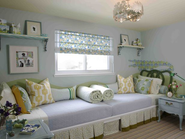 Beds placed end-to-end for extra space. Sarah Richardson's Design Tricks --> http://www.hgtv.com/decorating-basics/our-favorite-sarah-101-designs/pictures/page-11.html?soc=pinterest