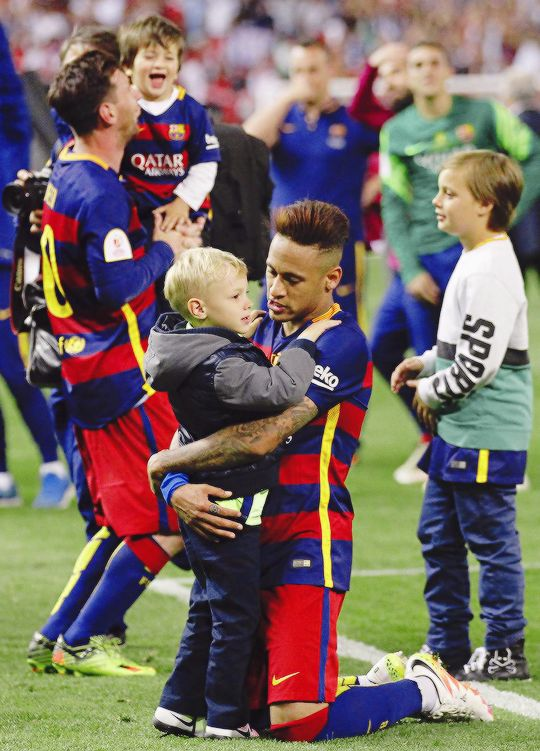 Neymar celebrates with son Davi Lucca the Copa del Rey Final between Barcelona on May 22, 2016 in...