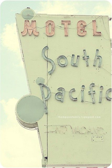 sign: Miami Beach, Neon Signs, South Pacific, Vintage Signs, Motel South, Nautical Design, Retro Signs, Old Signs, Miami Vintage Neon Motel Signs