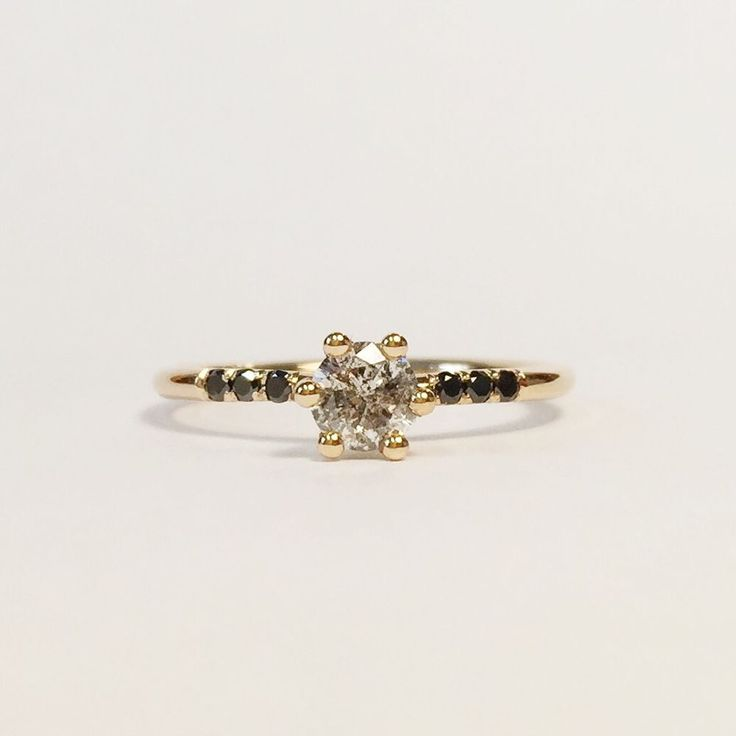 Rebecca Bonaparte Jewels - The Starlet ring - Pris vid förfrågan