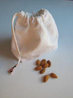 Nouveau DIY / tutoriel du sac à vrac, pochon à faire soi-même à partir de drap ! Il vous faut une machine à coudre, des tissus naturels à recyclés et 1 heure pour coudre vous même de quoi faire vos courses bio ou pas, mais en vrac ! Sac réutilisable pour le vrac !