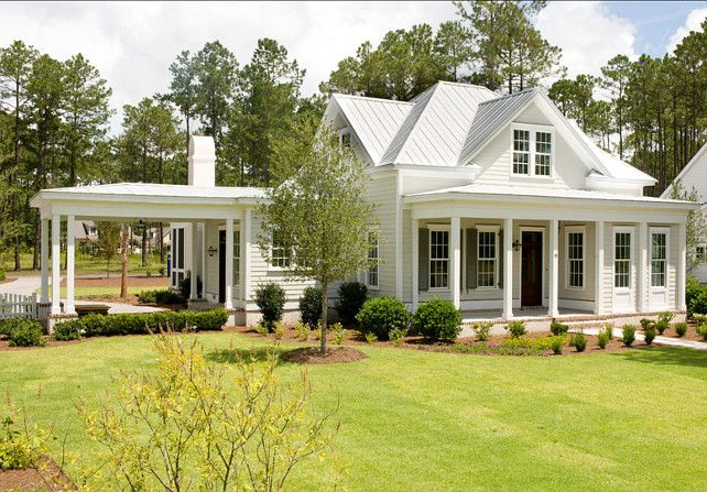 Trim paint color is sherwin williams sw 6385 dover white the sutters are historic charleston for White house exterior color schemes