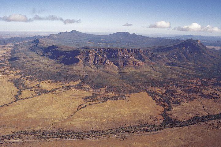 Wilpena Pound - Flanders Ranges National Park - Australia