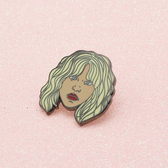 Courtney Love Enamel Pin // Hole pin 90s riot grrrl by Punkypins