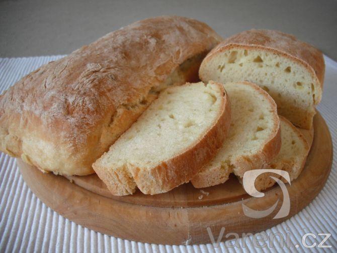 Recept na přípravu domácího bílého chleba z bramborové kaše.