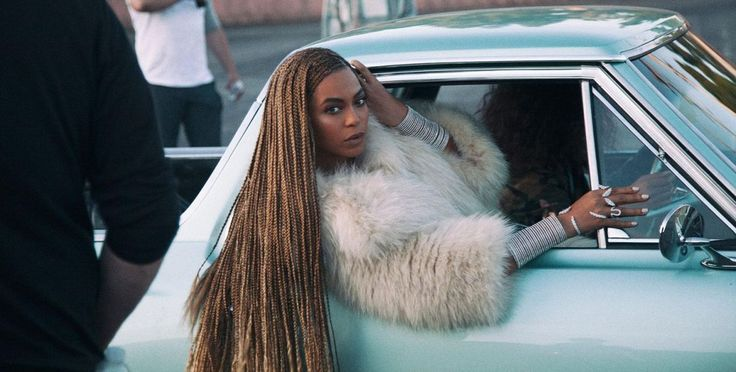 O Grammy 2017 promete ser o duelo final entre Beyoncé e Adele, que irão competir pelos prêmios de Música, Gravação (para o produtor) e Disco do Ano nesse domingo, 12 de fevereiro, com exibição às 2…