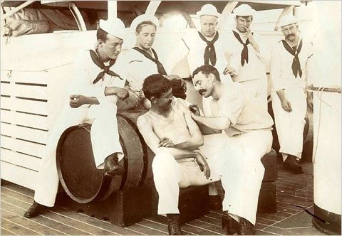 A group of sailors watching a tattoo session #tattoo #sailor
