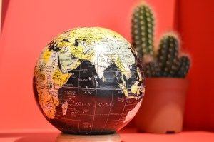 bola-del-mundo-mercado-de-diseno