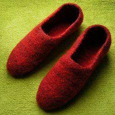 schnell gestrickt als Toe-Up-Socken – Socken an der Spitze begonnen …  Größe38/39  Material: Gut filzende, reine Wolle (ohne superwash-Ausrüstung) mit einer Lauflänge von 1…