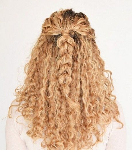 Einfache tägliche Frisuren lockiges Haar