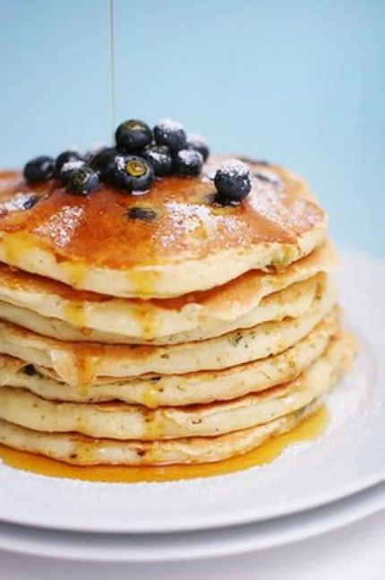 This dreamy Blueberry Pancake recipe is what's for breakfast :)   Only 4 points on Weight Watchers!