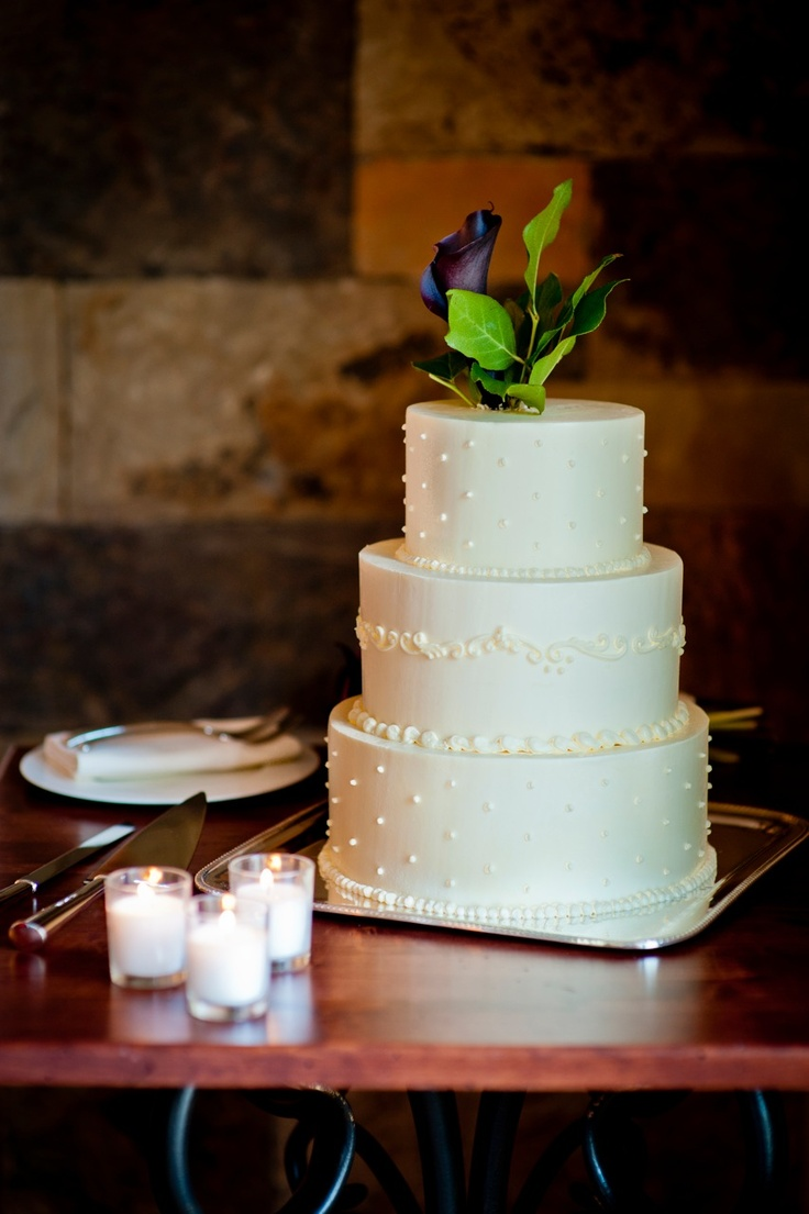 how to make a simple 3 tier wedding cake simple amp this three tier cake is the sweetest 15839